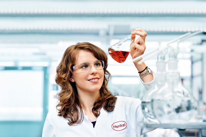 A female chemical laboratory assistant.